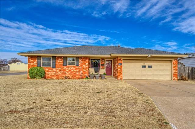 213 Parkview Place, Elk City, OK 73644 (MLS #941321) :: The UB Home Team at Whittington Realty