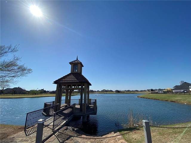 22015 Cricklewood Drive, Edmond, OK 73012 (MLS #951106) :: Homestead & Co