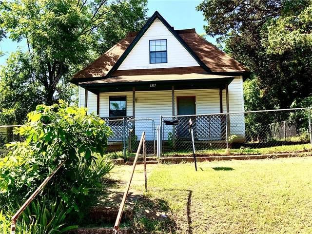 1317 W Logan Avenue, Guthrie, OK 73044 (MLS #957001) :: Keller Williams Realty Elite