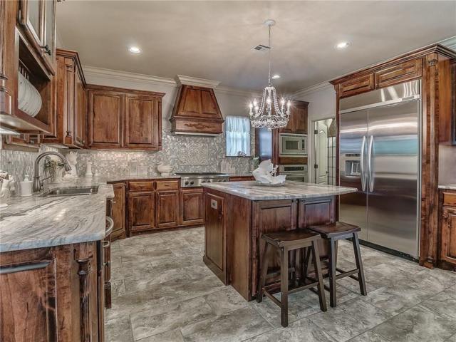 7632 132nd Place, Oklahoma City, OK 73142 (MLS #837256) :: Homestead & Co