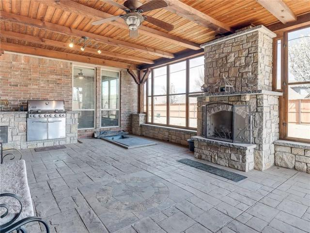15416 Brenton Hills Avenue, Edmond, OK 73013 (MLS #860658) :: Homestead & Co