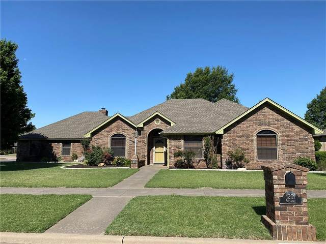 1201 N Sycamore Street, Weatherford, OK 73096 (MLS #893717) :: Keri Gray Homes