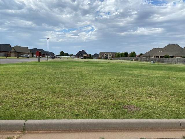 912 Briarwood Court, Weatherford, OK 73096 (MLS #899567) :: Homestead & Co