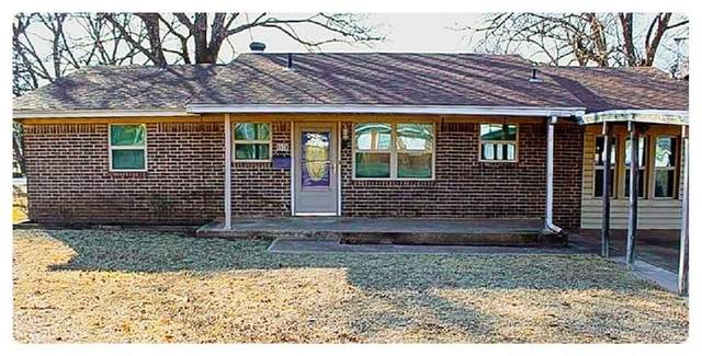 1628 S 9th Street, Chickasha, OK 73018 (MLS #900516) :: Homestead & Co