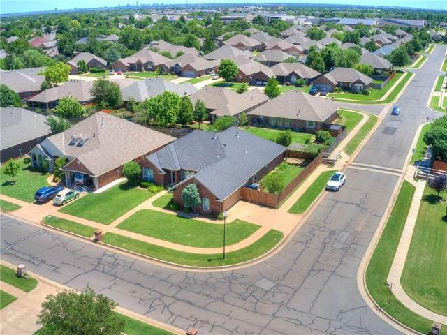 7436 NW 133rd Street, Oklahoma City, OK 73142 (MLS #907579) :: Homestead & Co