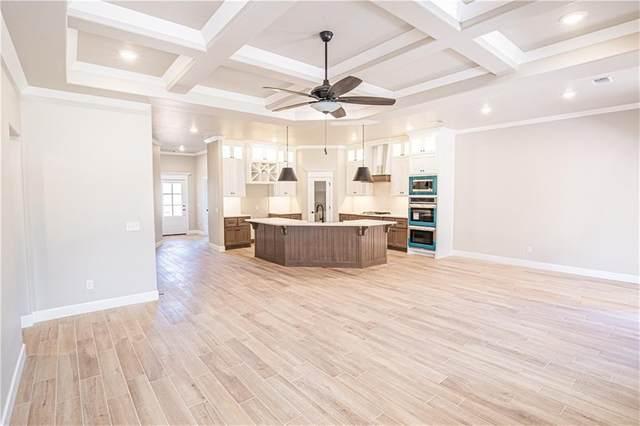 400 Village Lake Drive, Norman, OK 73069 (MLS #914070) :: Keri Gray Homes