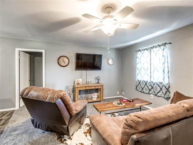 307 SE 8th Street, Luther, OK 73054 (MLS #924709) :: Homestead & Co