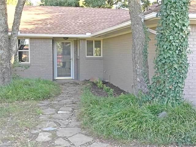 720 E Timber Trail, Edmond, OK 73034 (MLS #942561) :: KG Realty