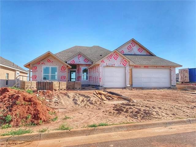 8209 NW 152nd Terrace, Edmond, OK 73013 (MLS #903013) :: Homestead & Co