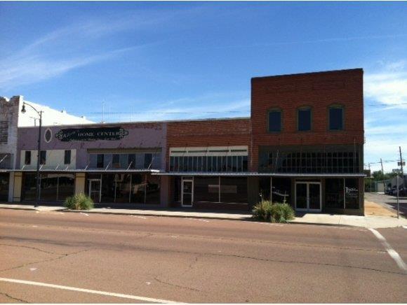 109 E Jefferson, Mangum, OK 73554 (MLS #274537A) :: Erhardt Group at Keller Williams Mulinix OKC