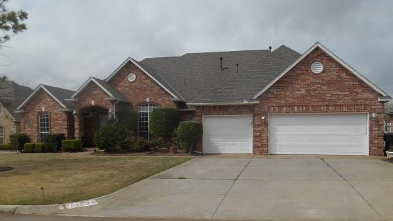 10905 Gateshead Drive, Oklahoma City, OK 73170 (MLS #723680) :: Wyatt Poindexter Group