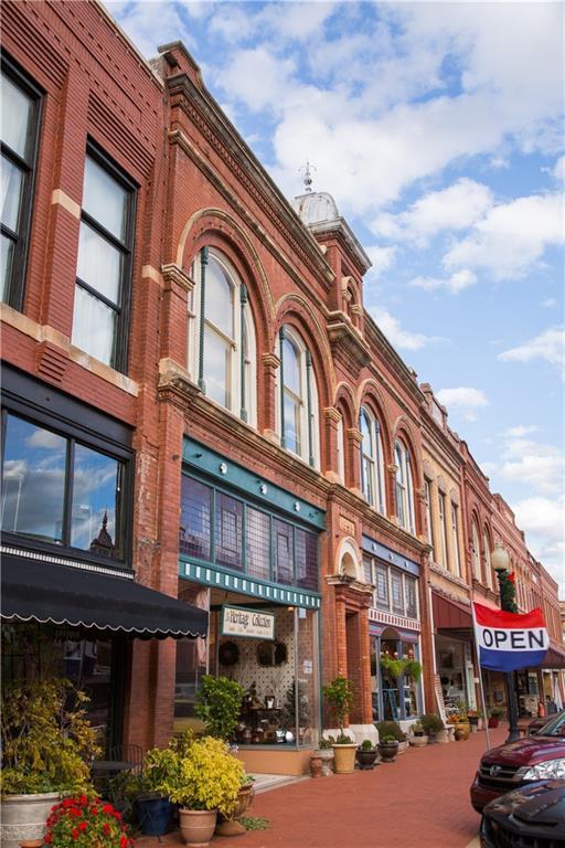 116 W Oklahoma Avenue, Guthrie, OK 73044 (MLS #765402) :: Wyatt Poindexter Group