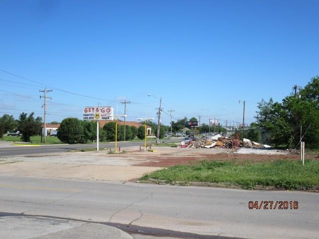 2424 S Western Avenue, Oklahoma City, OK 73109 (MLS #766088) :: Erhardt Group at Keller Williams Mulinix OKC