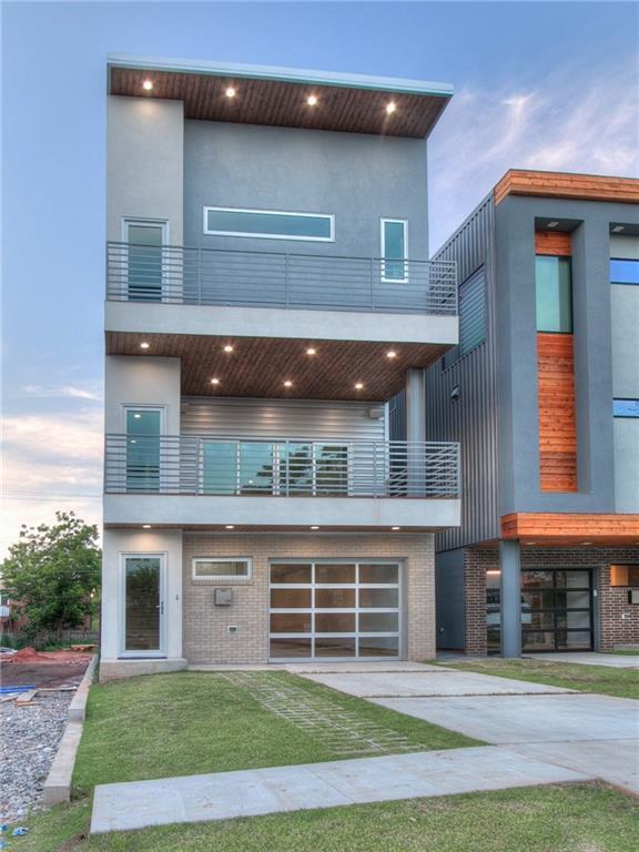 915 NW 8th Street, Oklahoma City, OK 73106 (MLS #777622) :: Richard Jennings Real Estate, LLC