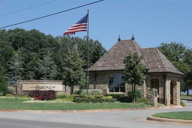 6701 Royale Court, Edmond, OK 73025 (MLS #781246) :: Wyatt Poindexter Group