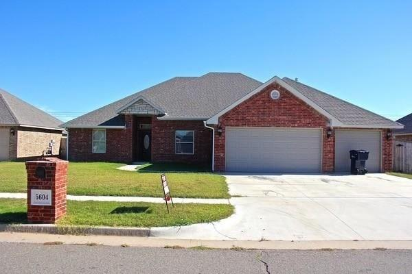 5604 Sanderling, Oklahoma City, OK 73179 (MLS #786634) :: Erhardt Group at Keller Williams Mulinix OKC
