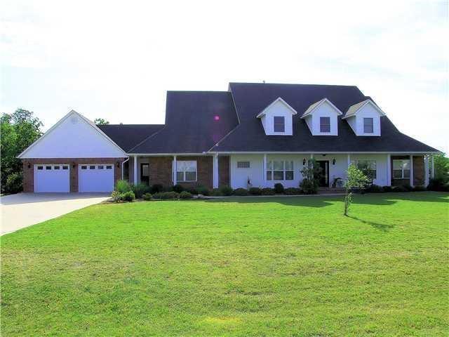 102 Rene Place, Shawnee, OK 74804 (MLS #796843) :: Wyatt Poindexter Group