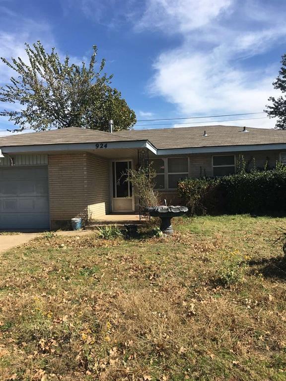 924 N Bradley, Oklahoma City, OK 73127 (MLS #797115) :: Wyatt Poindexter Group