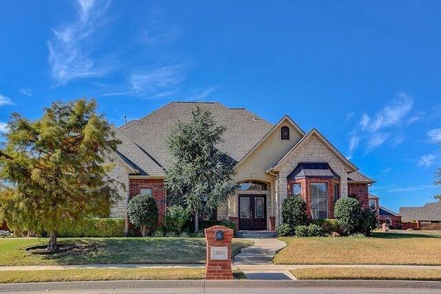 13601 Portofino Strada, Oklahoma City, OK 73170 (MLS #797433) :: Wyatt Poindexter Group