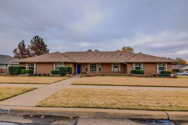 3712 Quail, Norman, OK 73072 (MLS #798612) :: Wyatt Poindexter Group