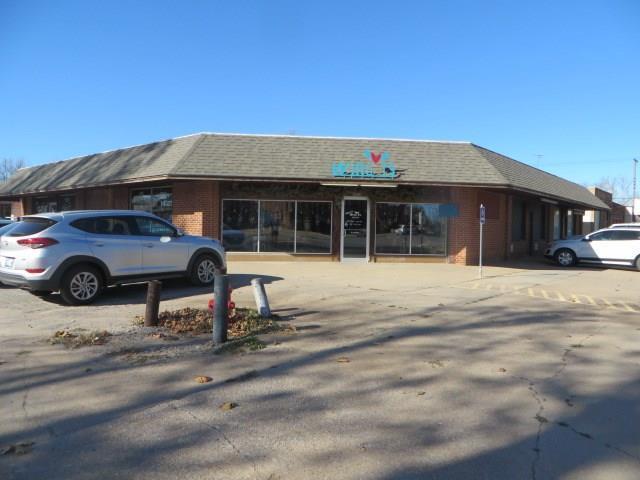 802 W Chickasha Avenue, Chickasha, OK 73018 (MLS #800536) :: Wyatt Poindexter Group
