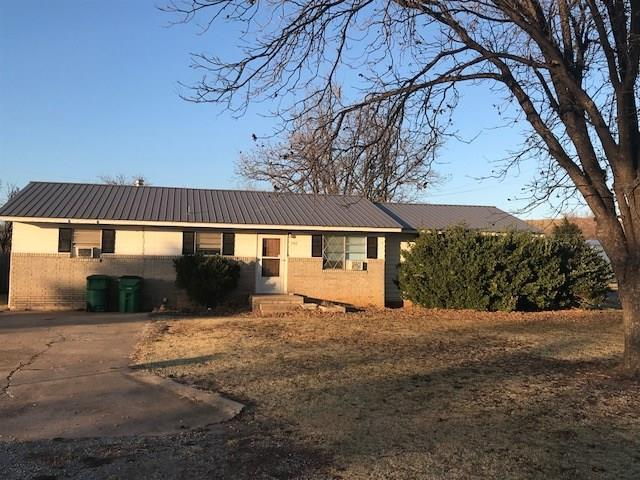 700 W 2nd, Granite, OK 73547 (MLS #800767) :: Wyatt Poindexter Group