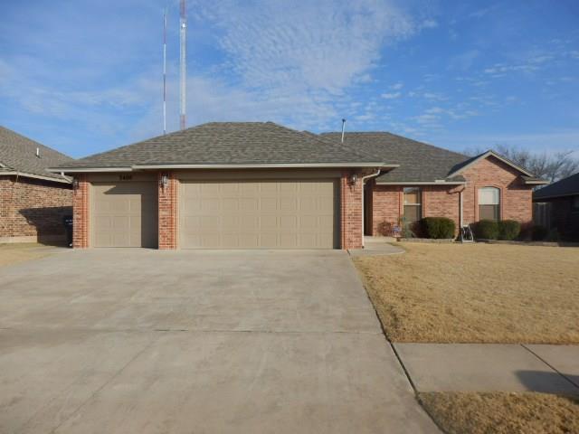 3400 Ashton Drive, Moore, OK 73160 (MLS #801473) :: Wyatt Poindexter Group