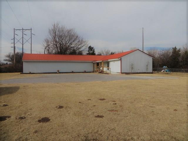 2901 W Country Club Road, Chickasha, OK 73018 (MLS #803324) :: Barry Hurley Real Estate