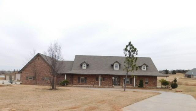 1017 Lake Front Drive, Blanchard, OK 73010 (MLS #803590) :: Wyatt Poindexter Group