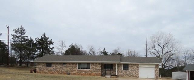 107 Highland Road, Pauls Valley, OK 73075 (MLS #803715) :: Wyatt Poindexter Group