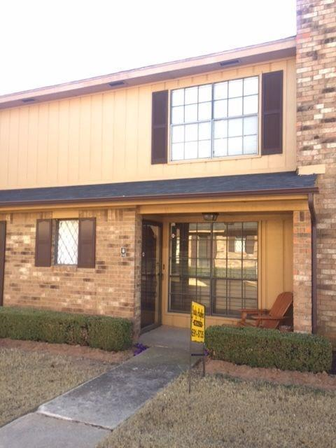 848 Two Forty Place #848, Oklahoma City, OK 73139 (MLS #803843) :: Wyatt Poindexter Group