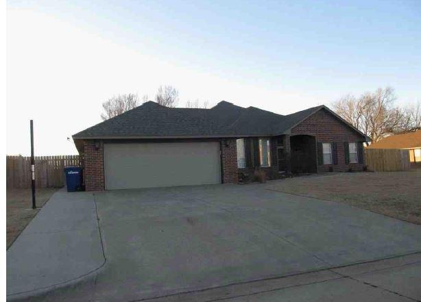 1124 Quail Ridge, Enid, OK 73703 (MLS #803920) :: Homestead & Co