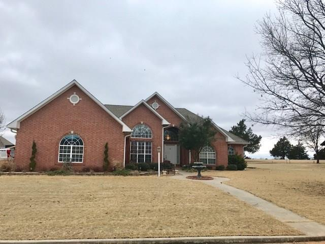 1904 Kelly, Sulphur, OK 73086 (MLS #803944) :: Homestead & Co
