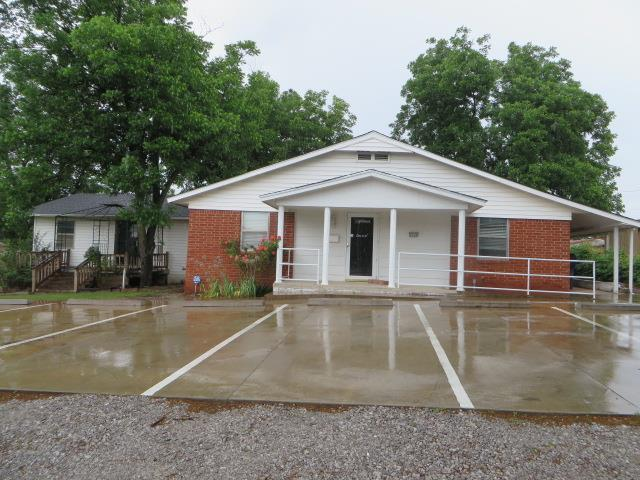 2204 W Grand Avenue, Chickasha, OK 73018 (MLS #805607) :: Barry Hurley Real Estate