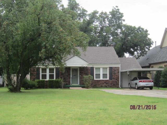 1704 Windsor Place, Nichols Hills, OK 73116 (MLS #805813) :: Erhardt Group at Keller Williams Mulinix OKC