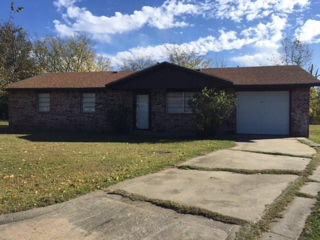 116 Lou, Holdenville, OK 74848 (MLS #806250) :: Wyatt Poindexter Group