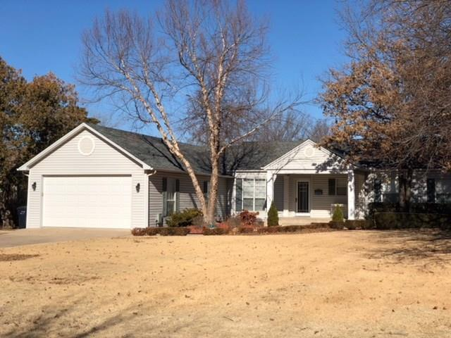 2817 Somerset Place, Oklahoma City, OK 73116 (MLS #806304) :: Wyatt Poindexter Group