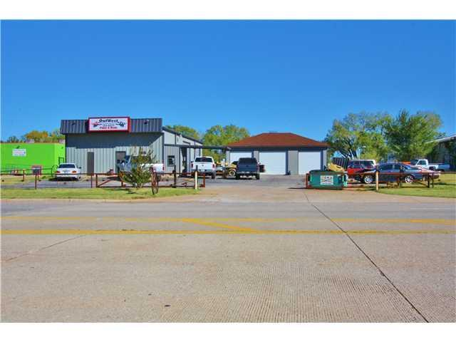 110 N Morgan Road, Mustang, OK 73099 (MLS #806377) :: Wyatt Poindexter Group