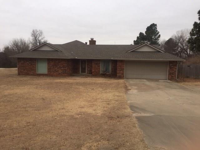 26 Fairview, Shawnee, OK 74804 (MLS #806641) :: Wyatt Poindexter Group
