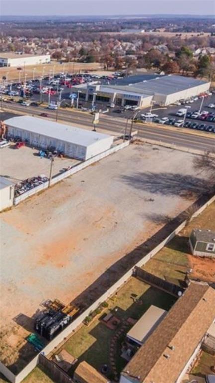 2618 N Harrison, Shawnee, OK 74804 (MLS #806930) :: Erhardt Group at Keller Williams Mulinix OKC