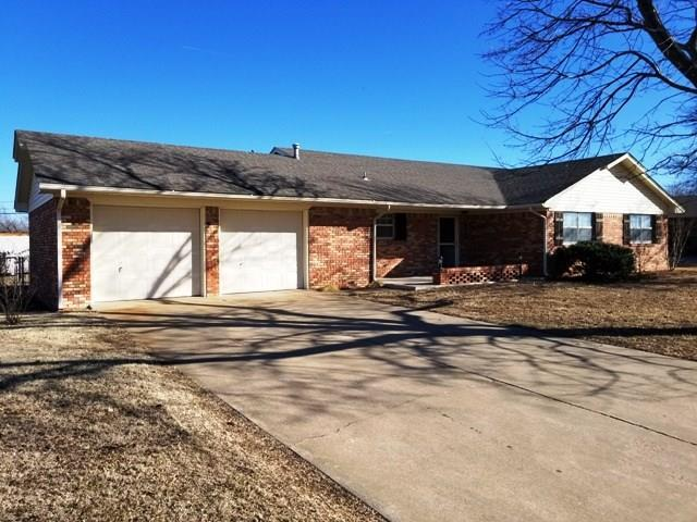 1216 Westlawn Lane, Prague, OK 74864 (MLS #807006) :: Wyatt Poindexter Group