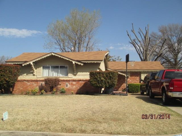 2525 SW 65th Street, Oklahoma City, OK 73159 (MLS #807127) :: Wyatt Poindexter Group