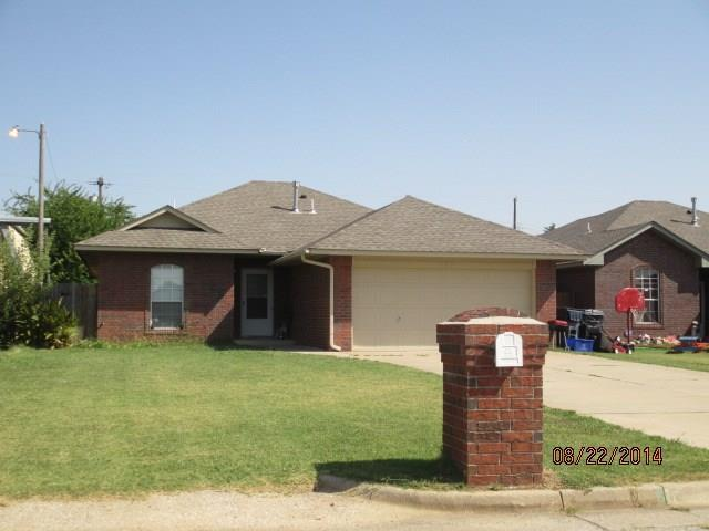 529 NW 113, Oklahoma City, OK 73114 (MLS #807149) :: Wyatt Poindexter Group