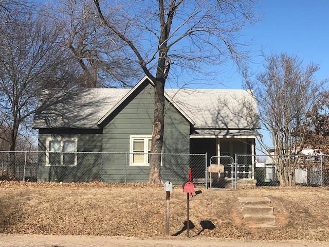 711 W Bdwy, Shawnee, OK 74851 (MLS #807200) :: Wyatt Poindexter Group
