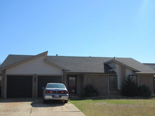 2604 Redwood, Edmond, OK 73013 (MLS #807803) :: Wyatt Poindexter Group