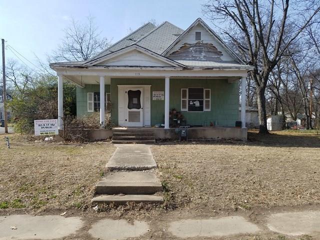 703 NW A Street, Ardmore, OK 73401 (MLS #807853) :: Wyatt Poindexter Group