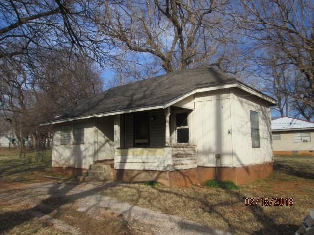 830 S 2nd, Purcell, OK 73080 (MLS #807913) :: Homestead & Co