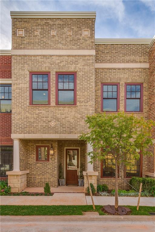 418 NE 1st Terrace, Oklahoma City, OK 73104 (MLS #809039) :: Wyatt Poindexter Group
