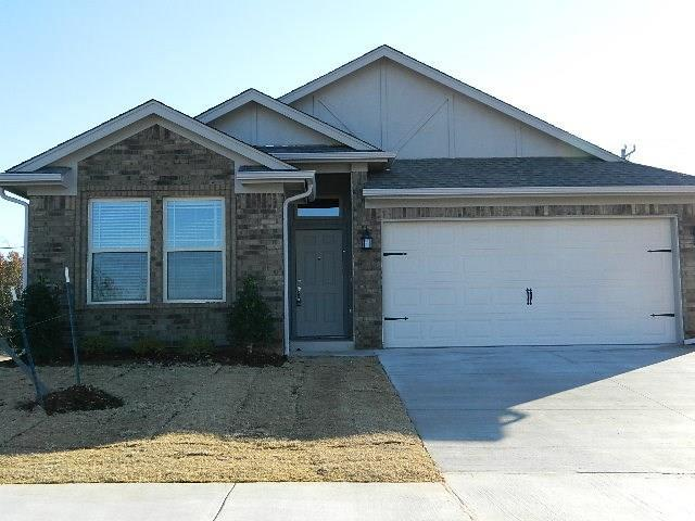 9500 SW 29th Terrace, Oklahoma City, OK 73128 (MLS #810748) :: Erhardt Group at Keller Williams Mulinix OKC
