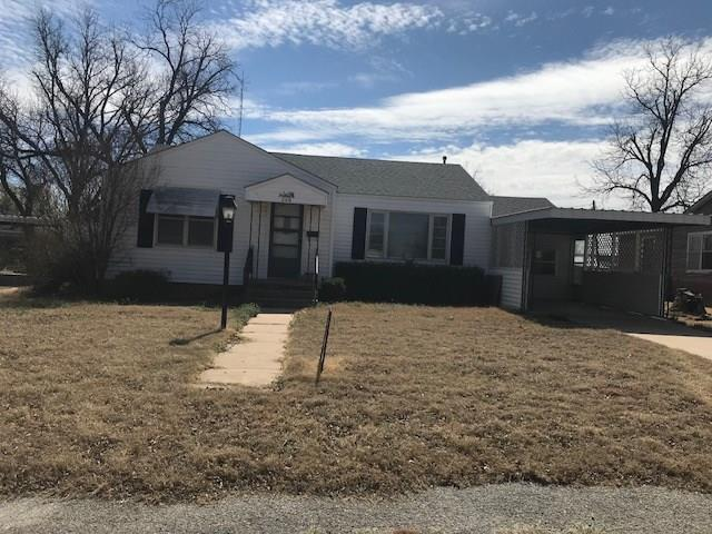 220 E Grant, Mangum, OK 73554 (MLS #811678) :: Wyatt Poindexter Group
